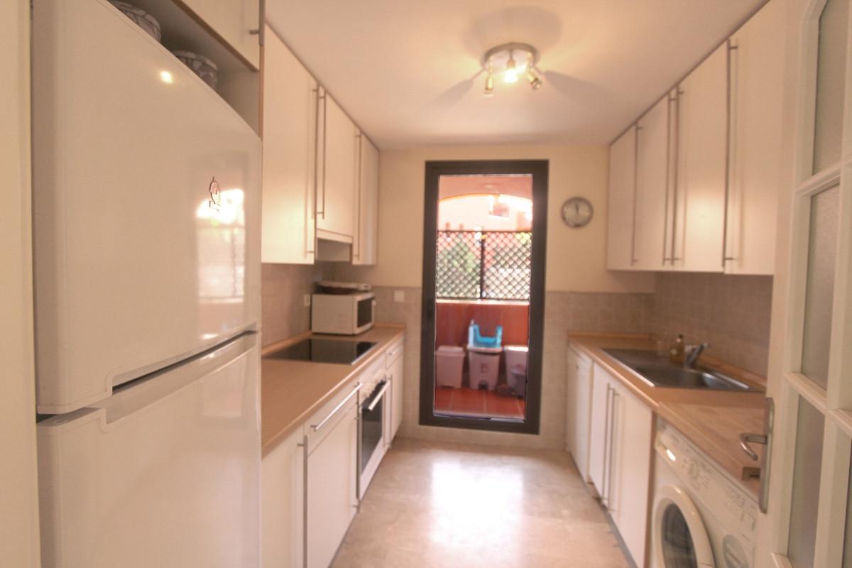 Apartment in Estepona R3526477 4