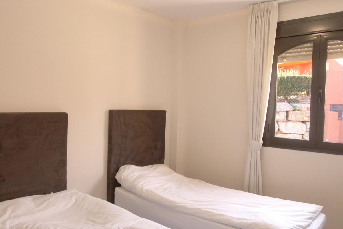 Apartment in Estepona R3526477 7