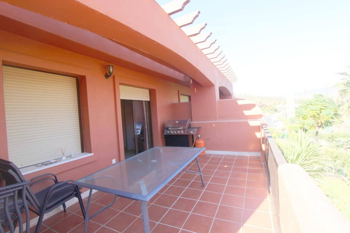 Apartment in Estepona R3526477 8