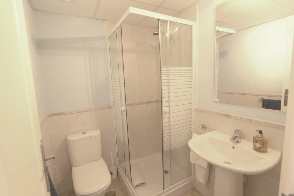 Apartment in Estepona R3526477 9