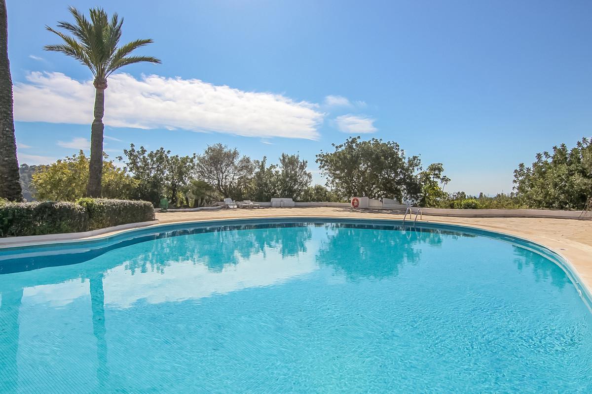 """Beautiful semidetached villa located in a quiet urbanization. Very private. Set in a beautiful,Spain"