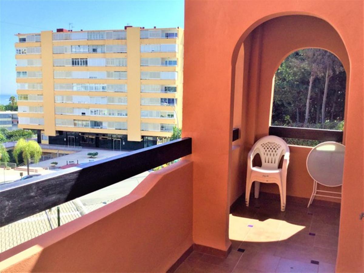 3 Bedroom Middle Floor Apartment For Sale Torremolinos
