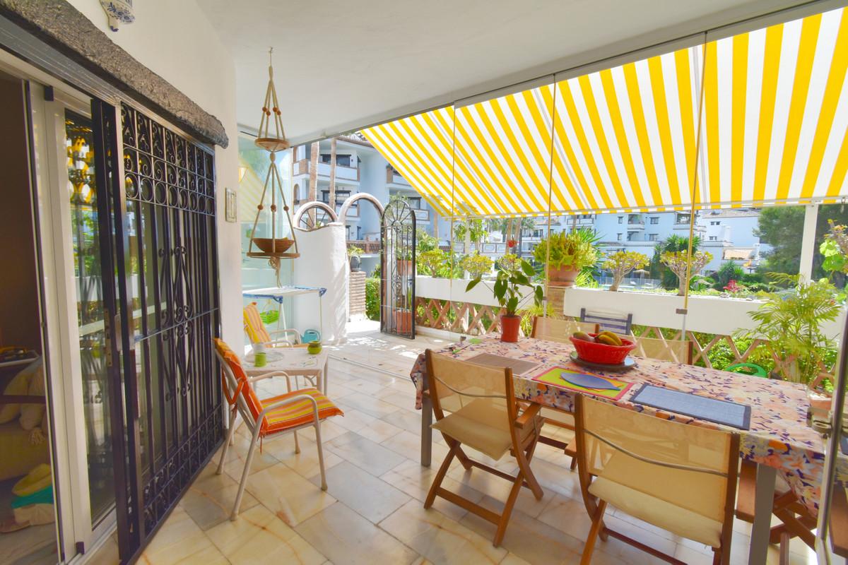 Ground Floor Apartment for sale in Calahonda R3439318
