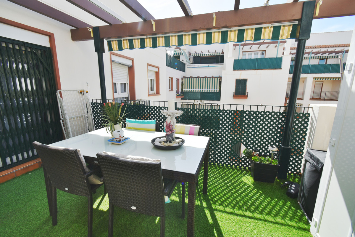Apartamento con 3 Dormitorios en Venta Torrequebrada