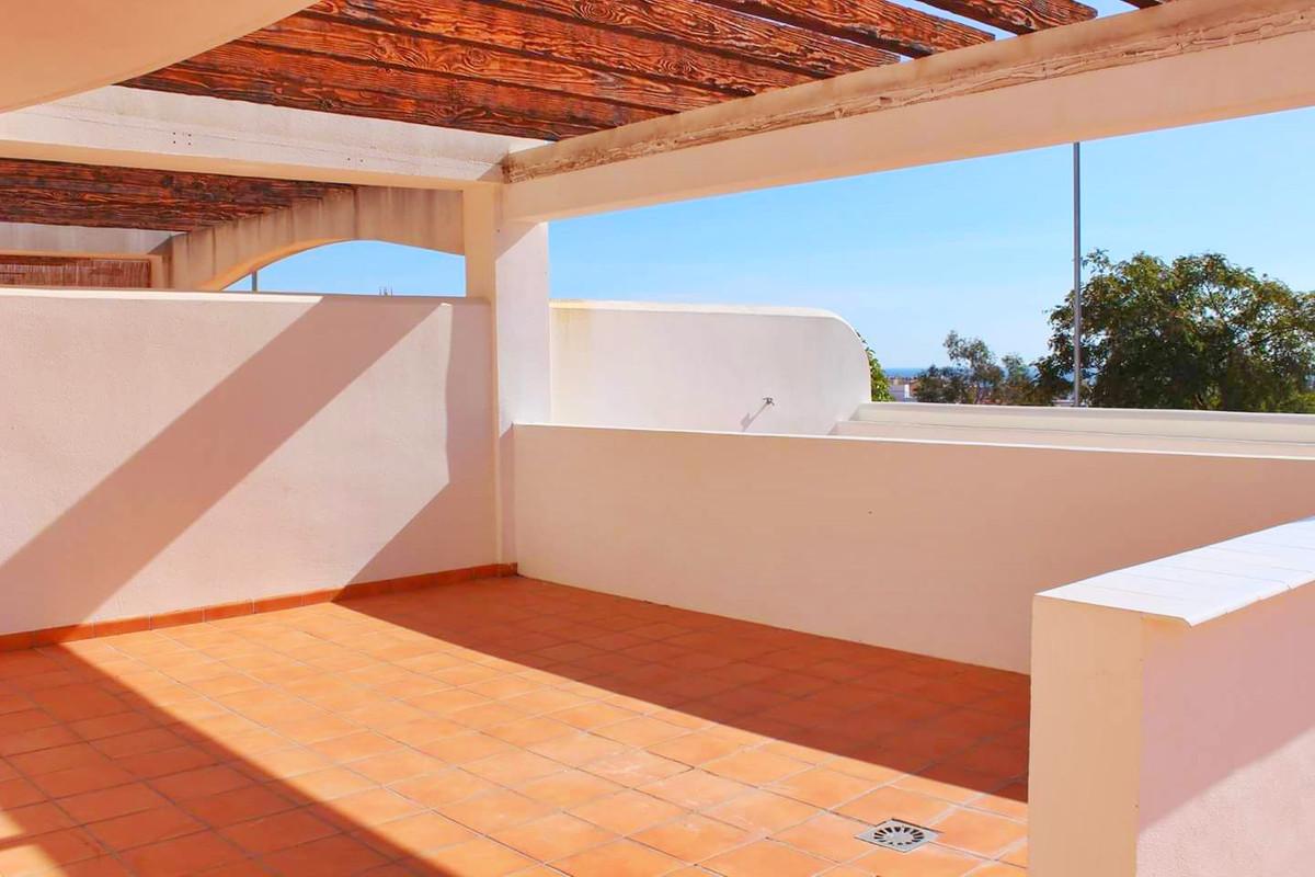Great luxury apartment in the upper area of Arroyo de la miel, consists of 2 bedrooms, a bathroom, a,Spain