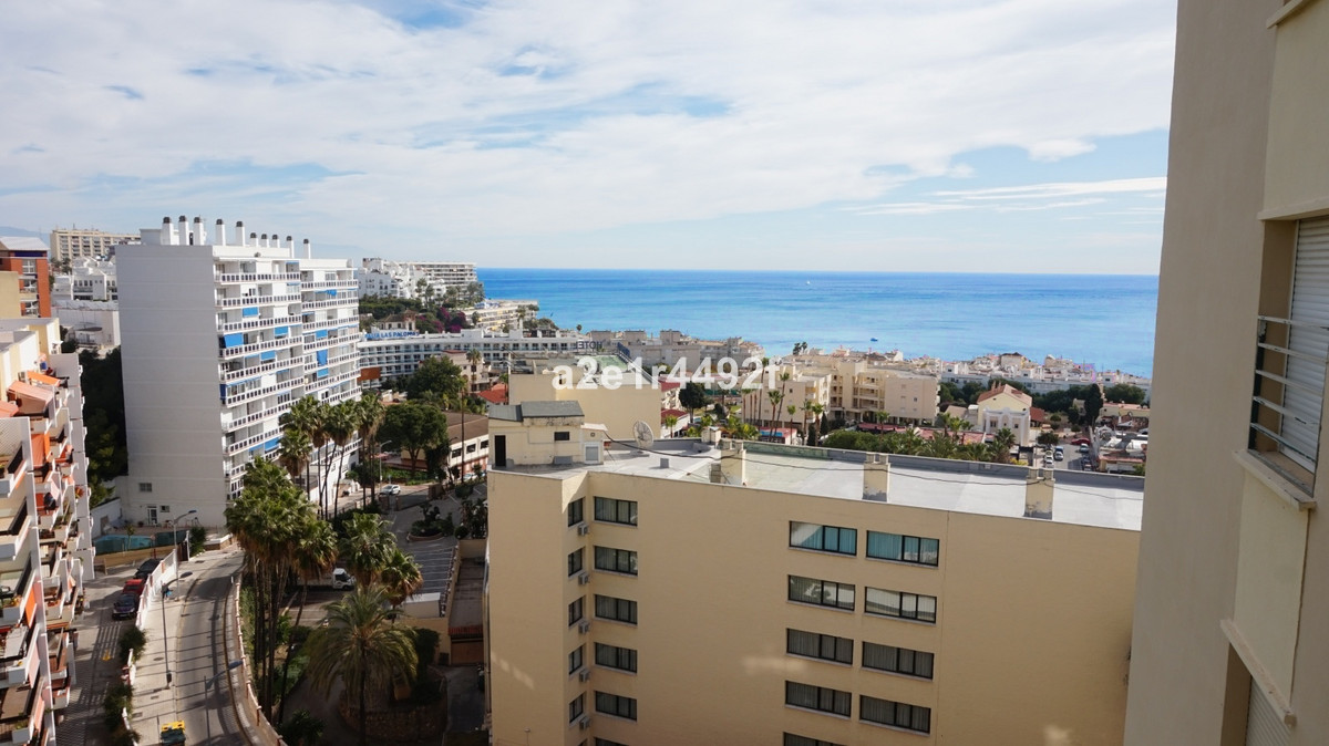 Elevated floor apartment in Torremolinos, offering panoramic sea views of the Carihuela area. Consis,Spain
