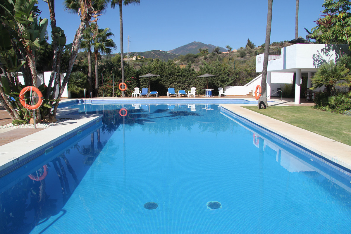 Penthouse in Nueva Andalucía R3546520