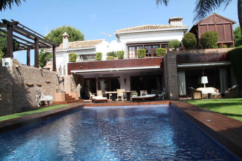 Villa - Chalet a la venta en Las Chapas