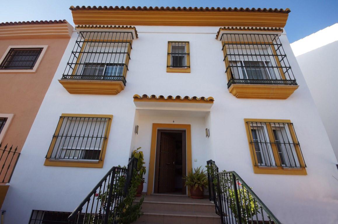 Adosada a la venta en Nueva Andalucía