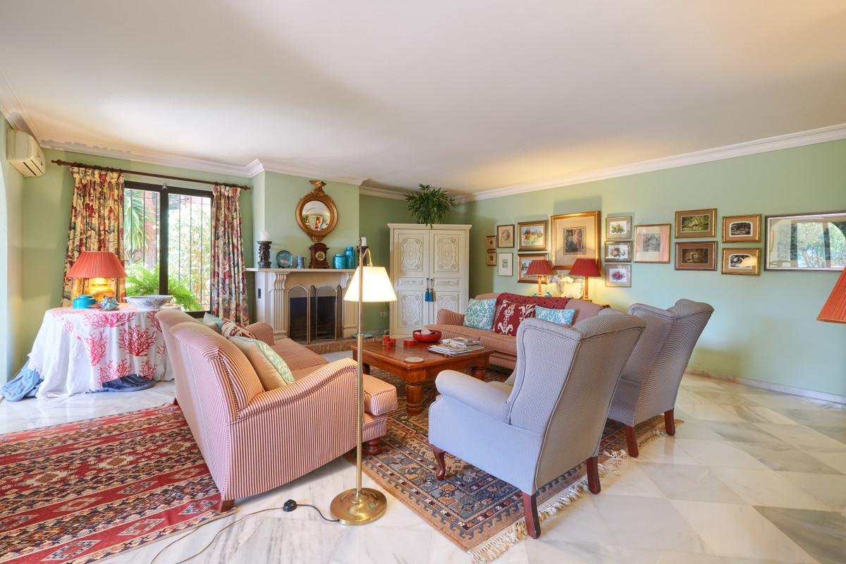 4 Bedroom Villa For Sale, El Madroñal