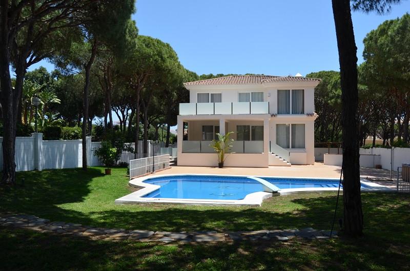 Detached Villa for sale in Calahonda R3020888