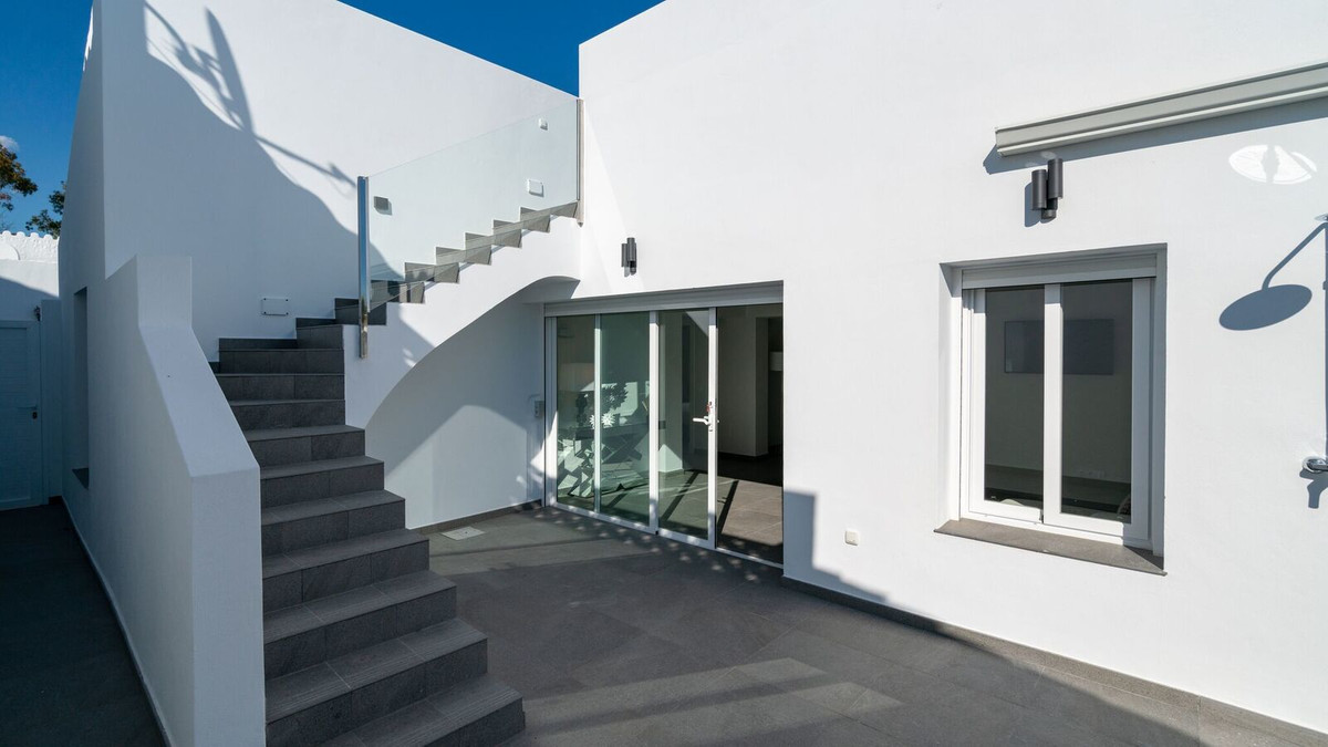 Townhouse in Estepona R3349591