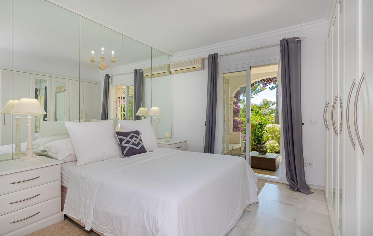 House in El Paraiso R3437932 14