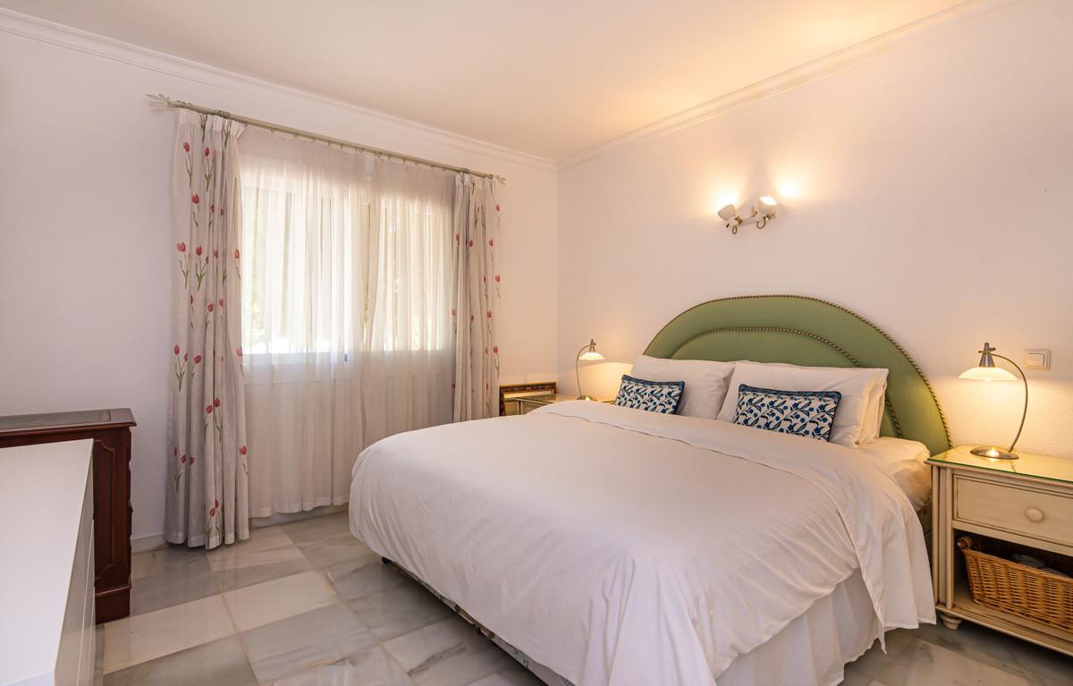 House in El Paraiso R3437932 18