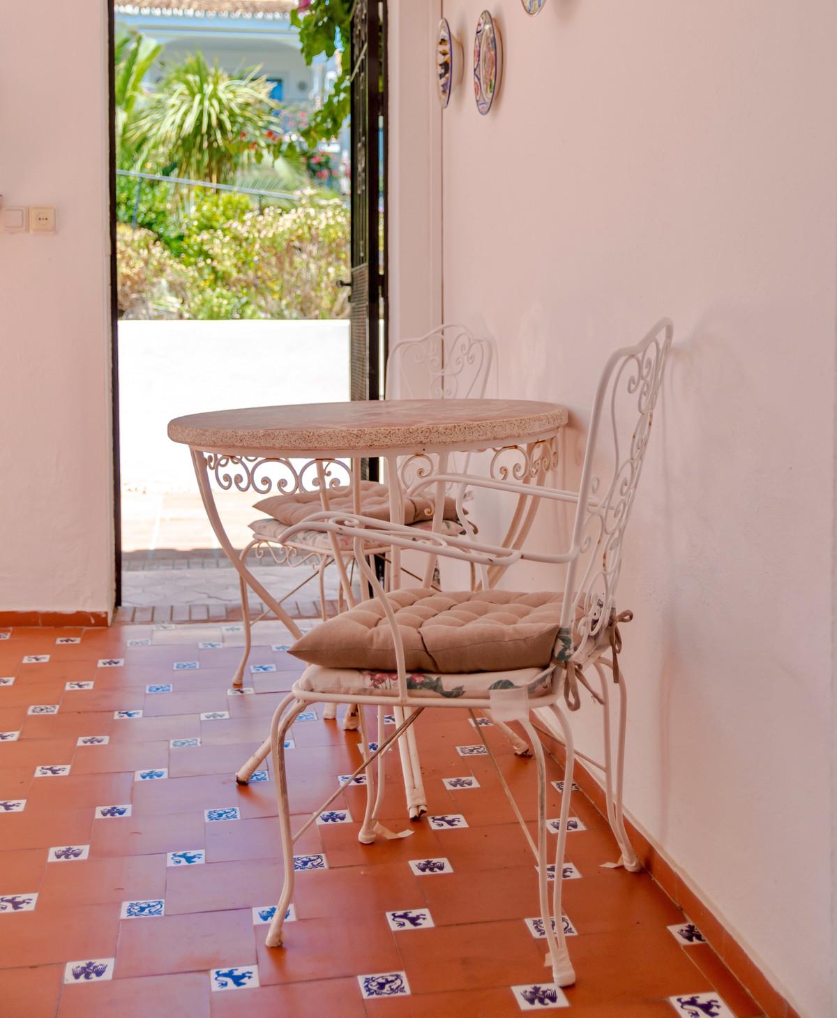 House in El Paraiso R3437932 22