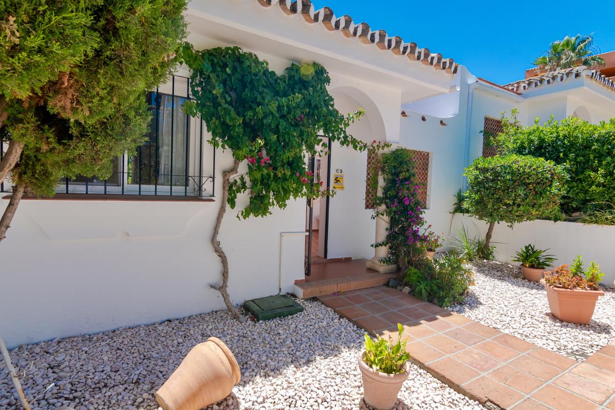 House in El Paraiso R3437932 4