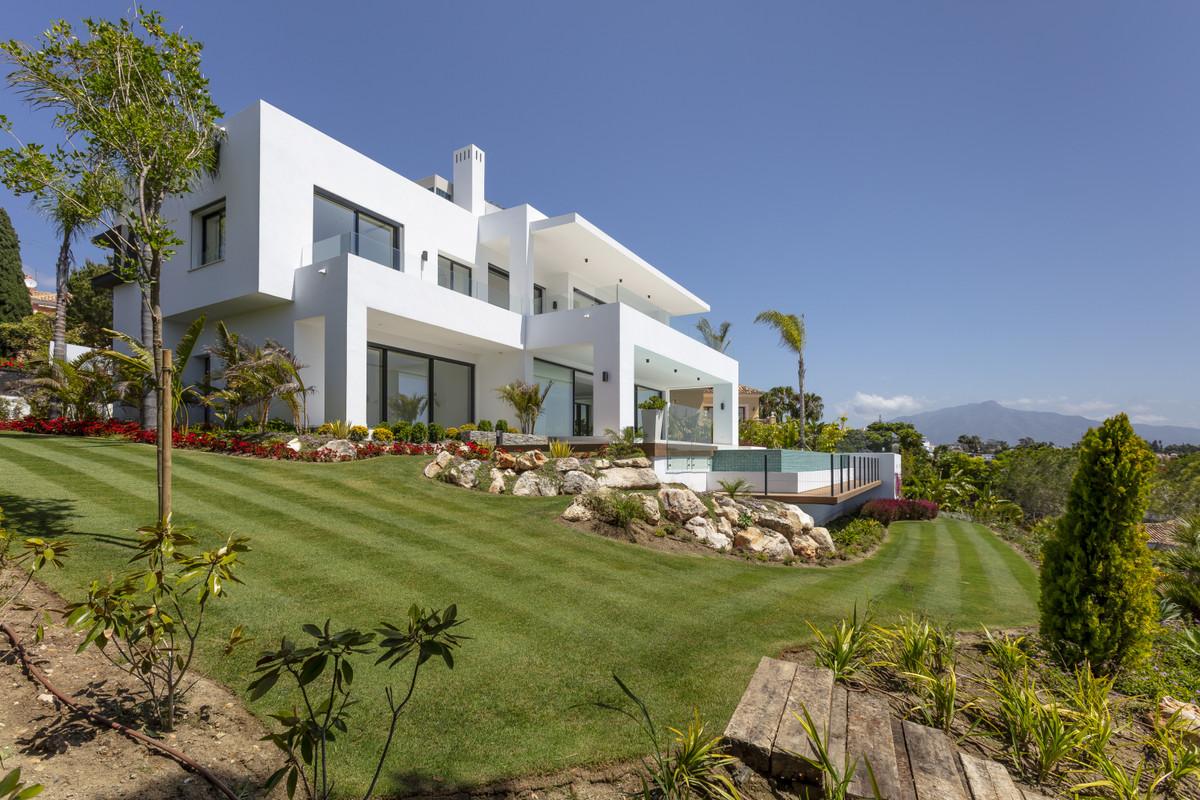 Ref:R3599777 Villa - Detached For Sale in El Paraiso