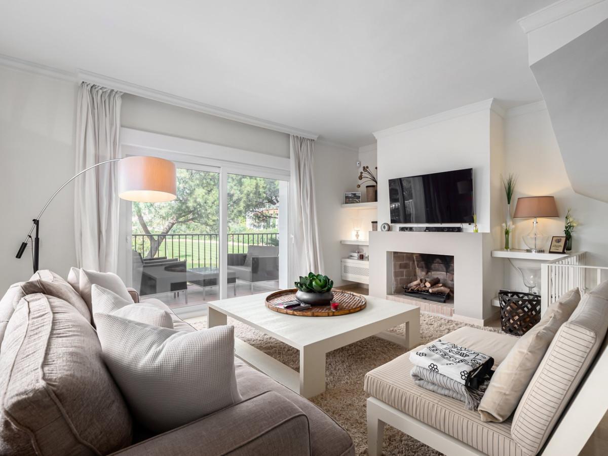A spacious and beautifully presented, five bedroom townhouse for sale in Las Encinas de la Quinta, o,Spain