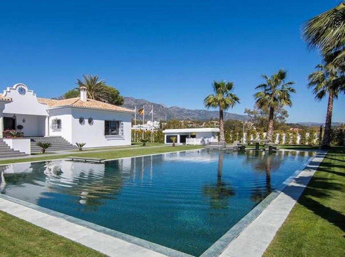 Ref:R3561244 Villa - Detached For Sale in The Golden Mile