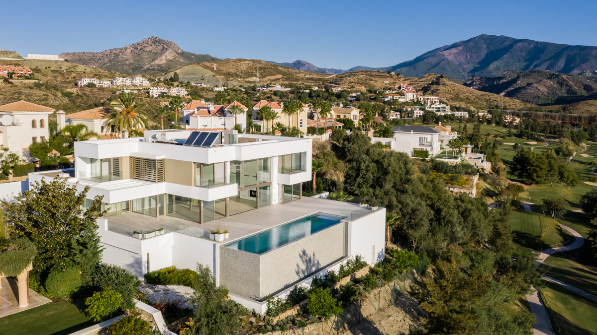 Ref:R3404170 Villa - Detached For Sale in Benahavís