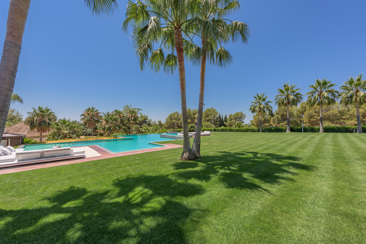 Ref:R3484420 Villa - Detached For Sale in Sierra Blanca
