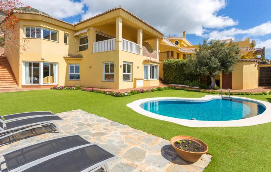 Ref:R3159604 Villa - Detached For Sale in Benalmadena