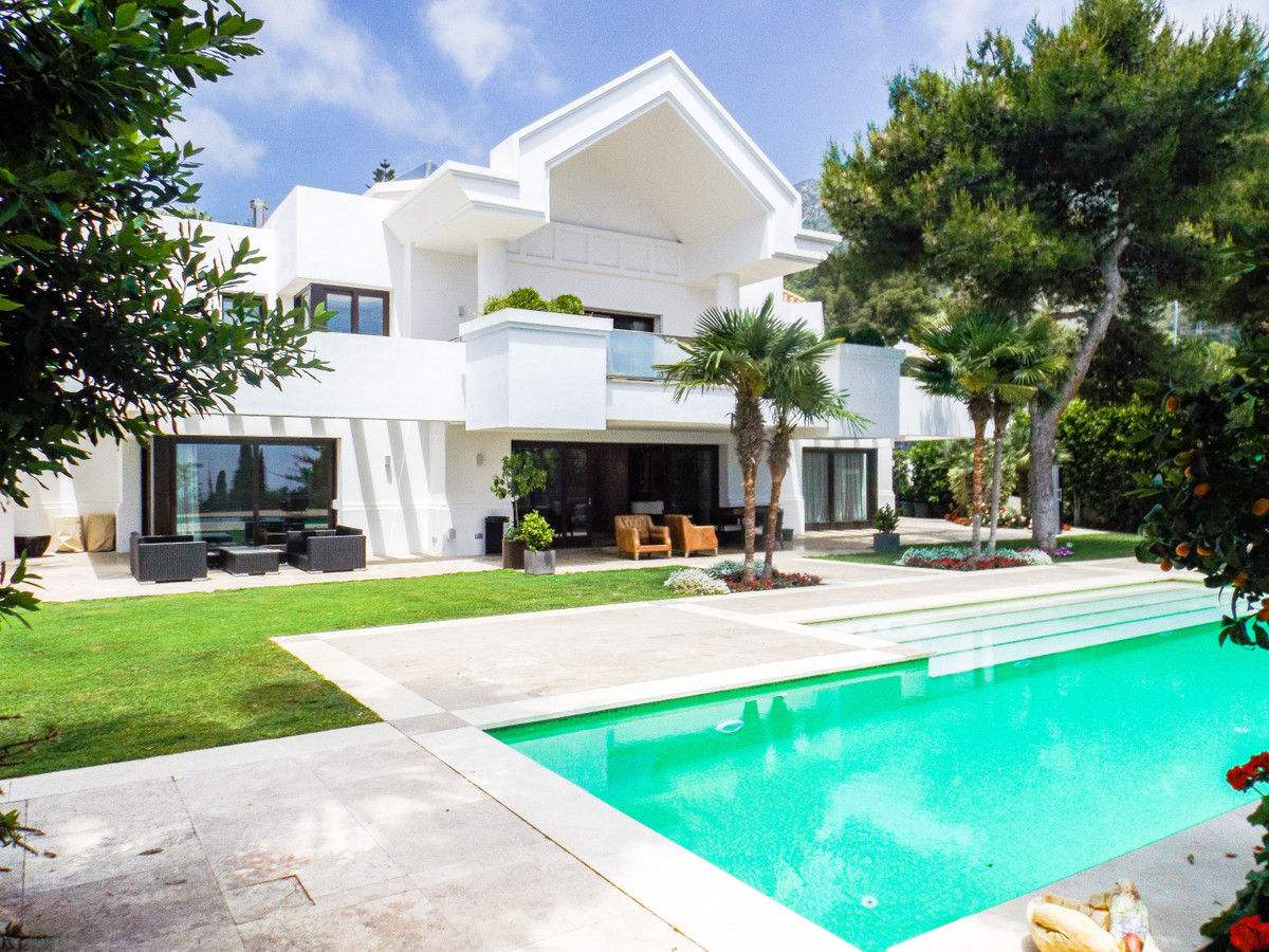 Ref:R3341716 Villa - Detached For Sale in Sierra Blanca