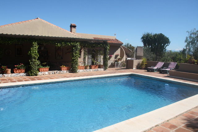 A fantastic opportunity to purchase an incredible finca close to Alhaurin El Grande.  Just 5 minutes,Spain