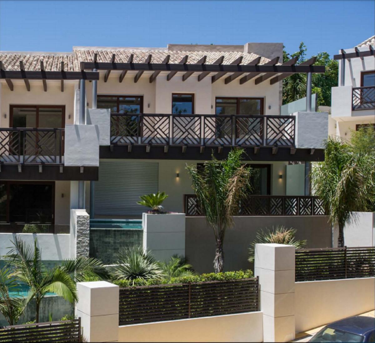 Ref:R3362041 Villa - Semi Detached For Sale in Marbella