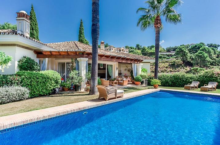 4 Bedrooms Villa For Sale - La Zagaleta