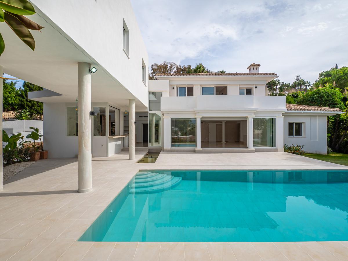 Ref:R3543274 Villa - Detached For Sale in El Paraiso