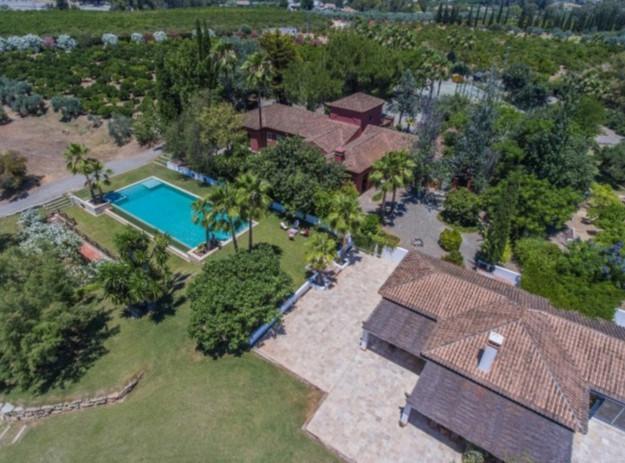 Ref:R3232825 Villa - Finca For Sale in Coín