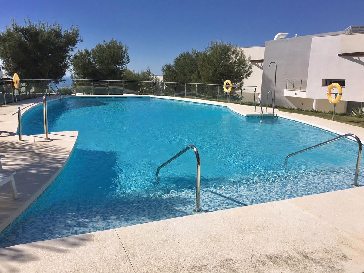 Ref:R3234073 Townhouse - Terraced For Sale in Sierra Blanca