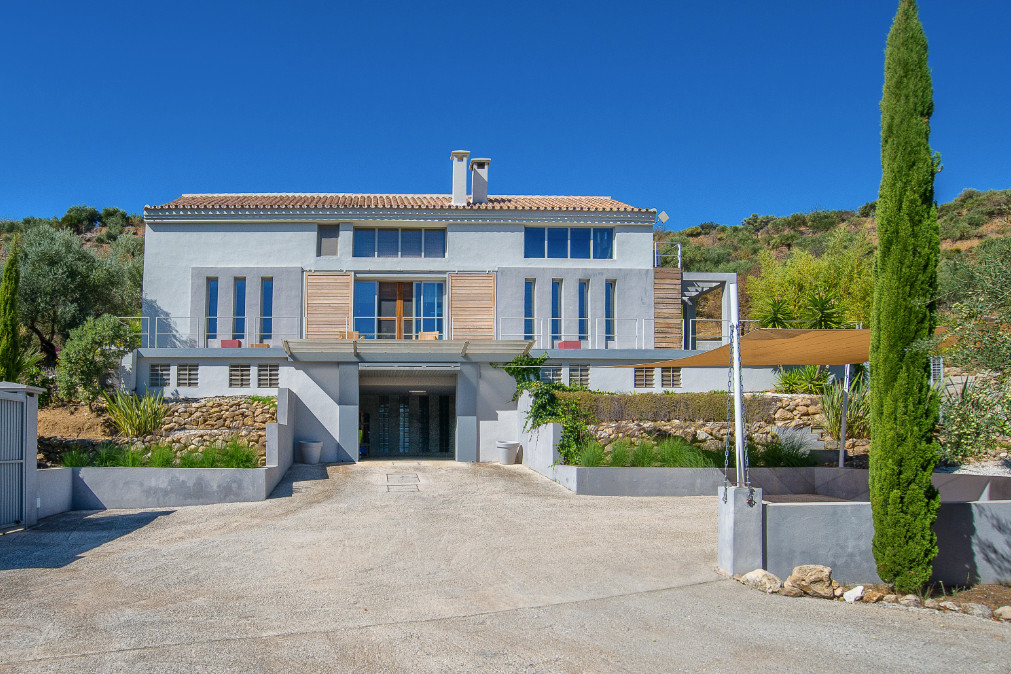 4 bedroom villa for sale monda