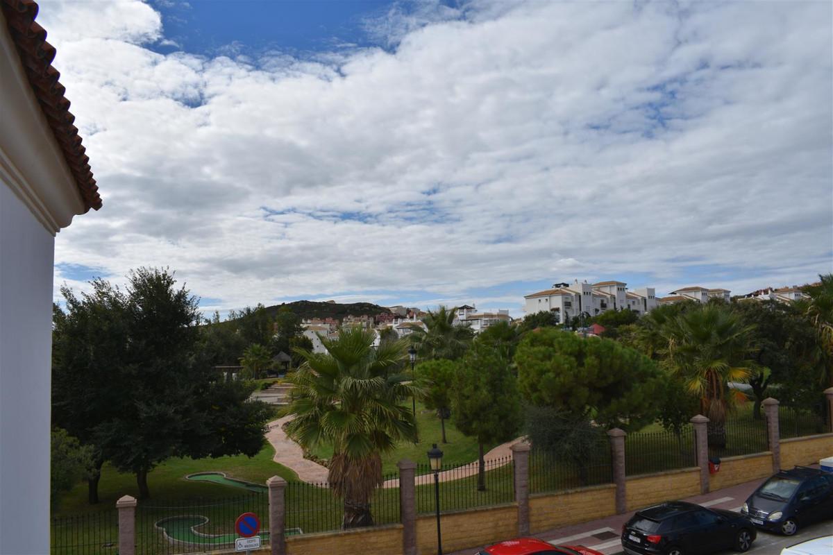 Three bedroom apartment in the centre of San Luis de Sabinillas. It is located in the area of El Duq,Spain