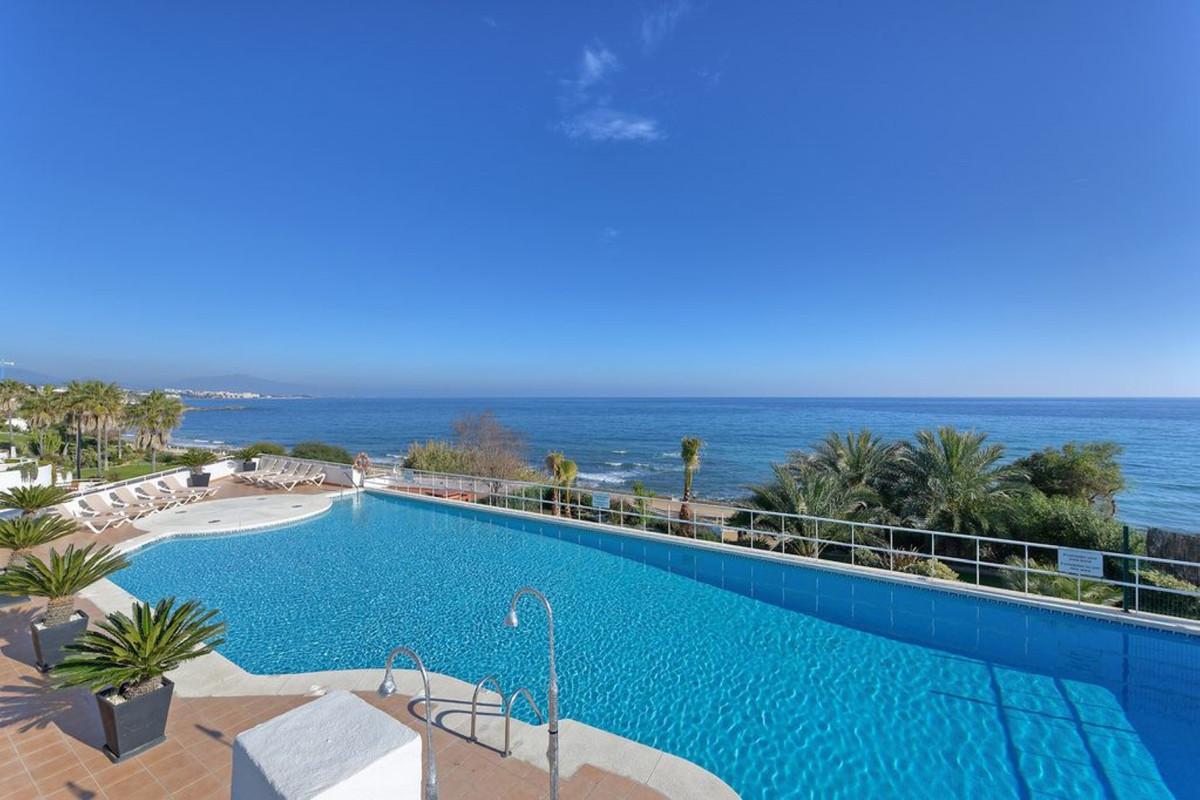 Apartment Penthouse Estepona Málaga Costa del Sol R3425878 4