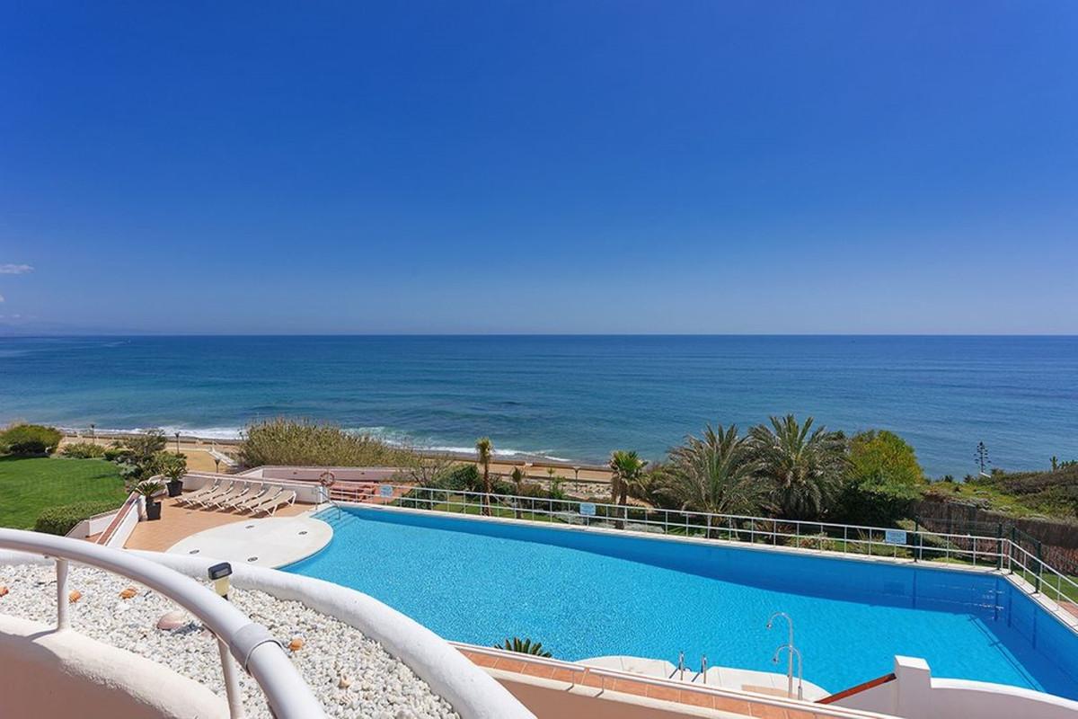 Apartment Penthouse Estepona Málaga Costa del Sol R3425878 9