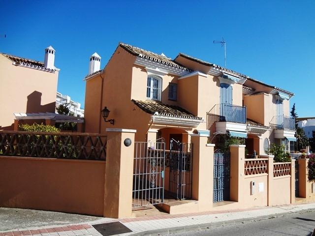 Villa 3 Dormitorios en Venta The Golden Mile