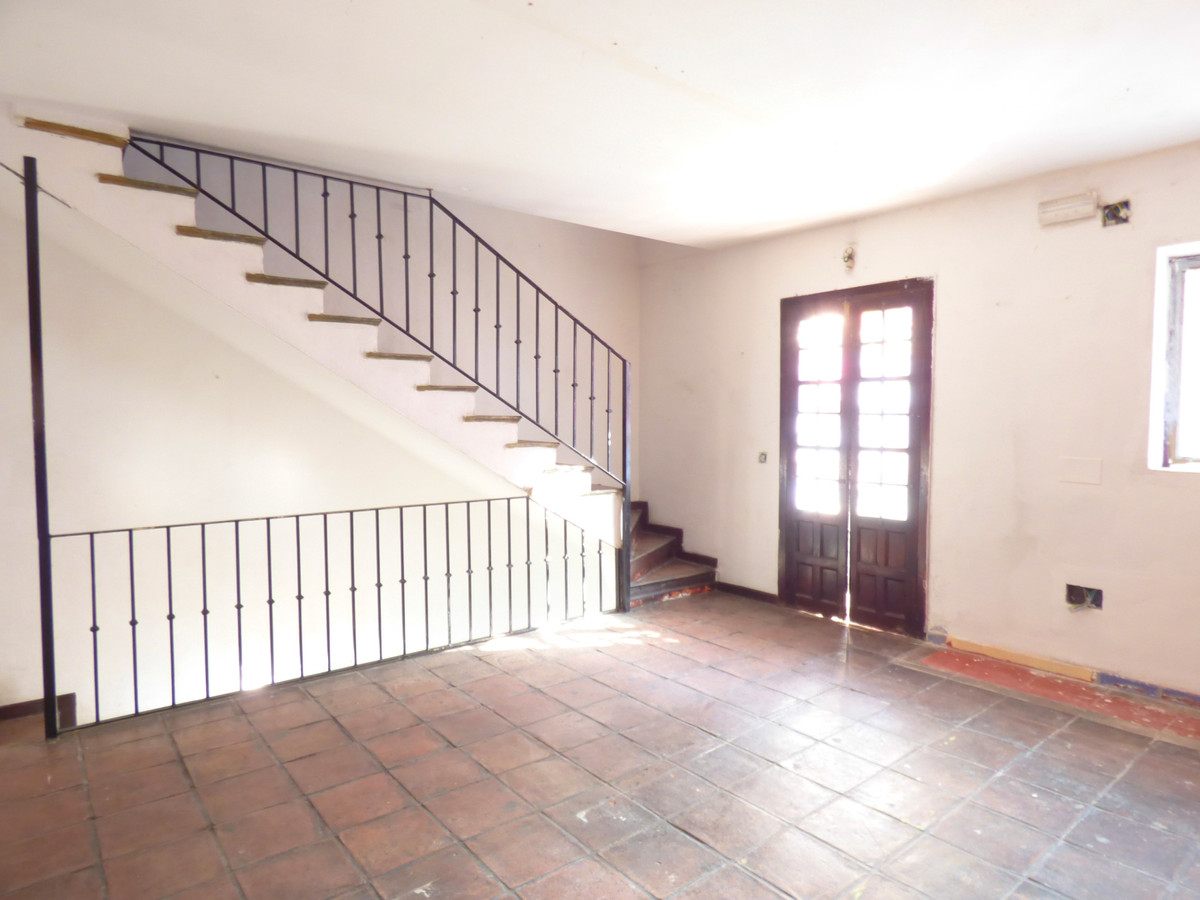 2 Bedroom Townhouse For Sale, Marbella