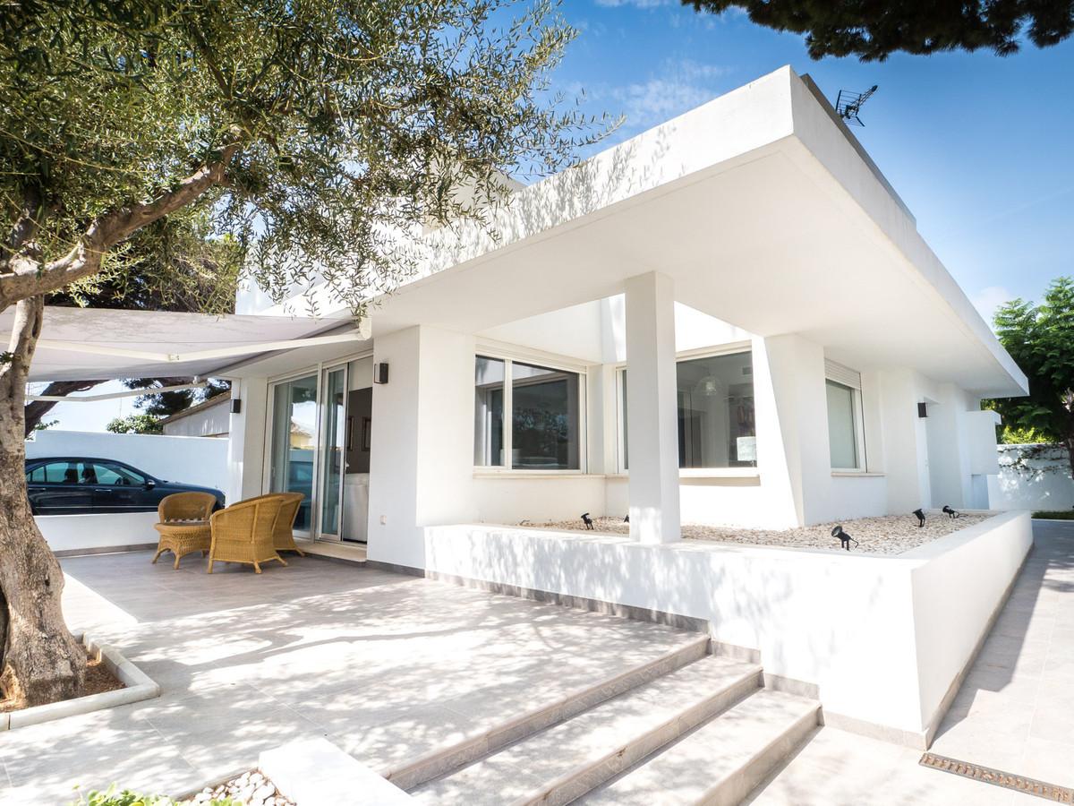 Detached Villa for sale in Marbella R2979038