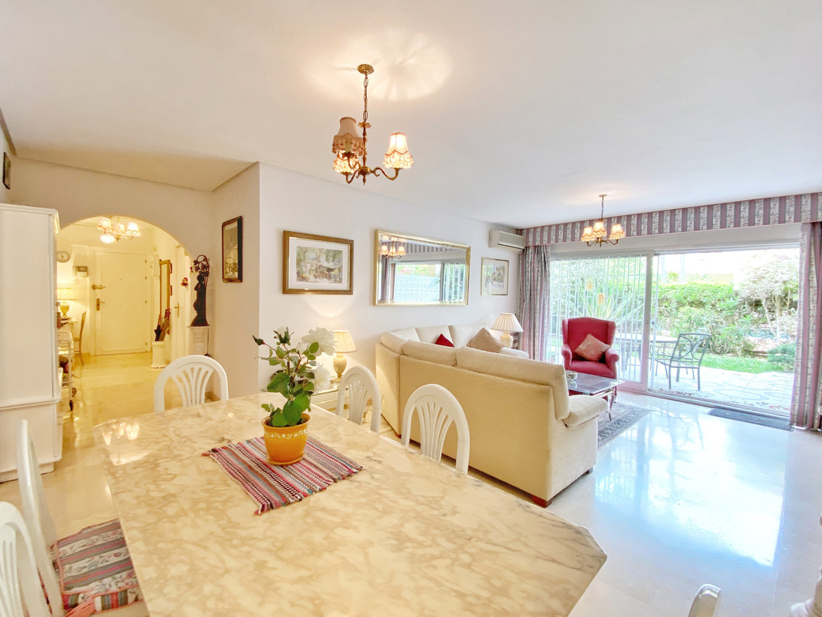 Apartamento con 3 Dormitorios en Venta Marbella
