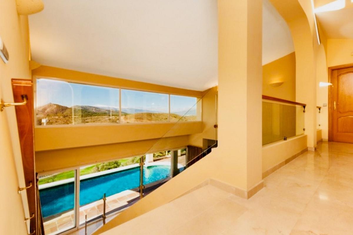 House in Alhaurin Golf R3505504 2
