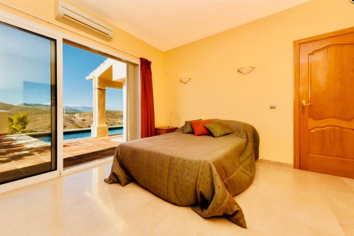 House in Alhaurin Golf R3505504 23