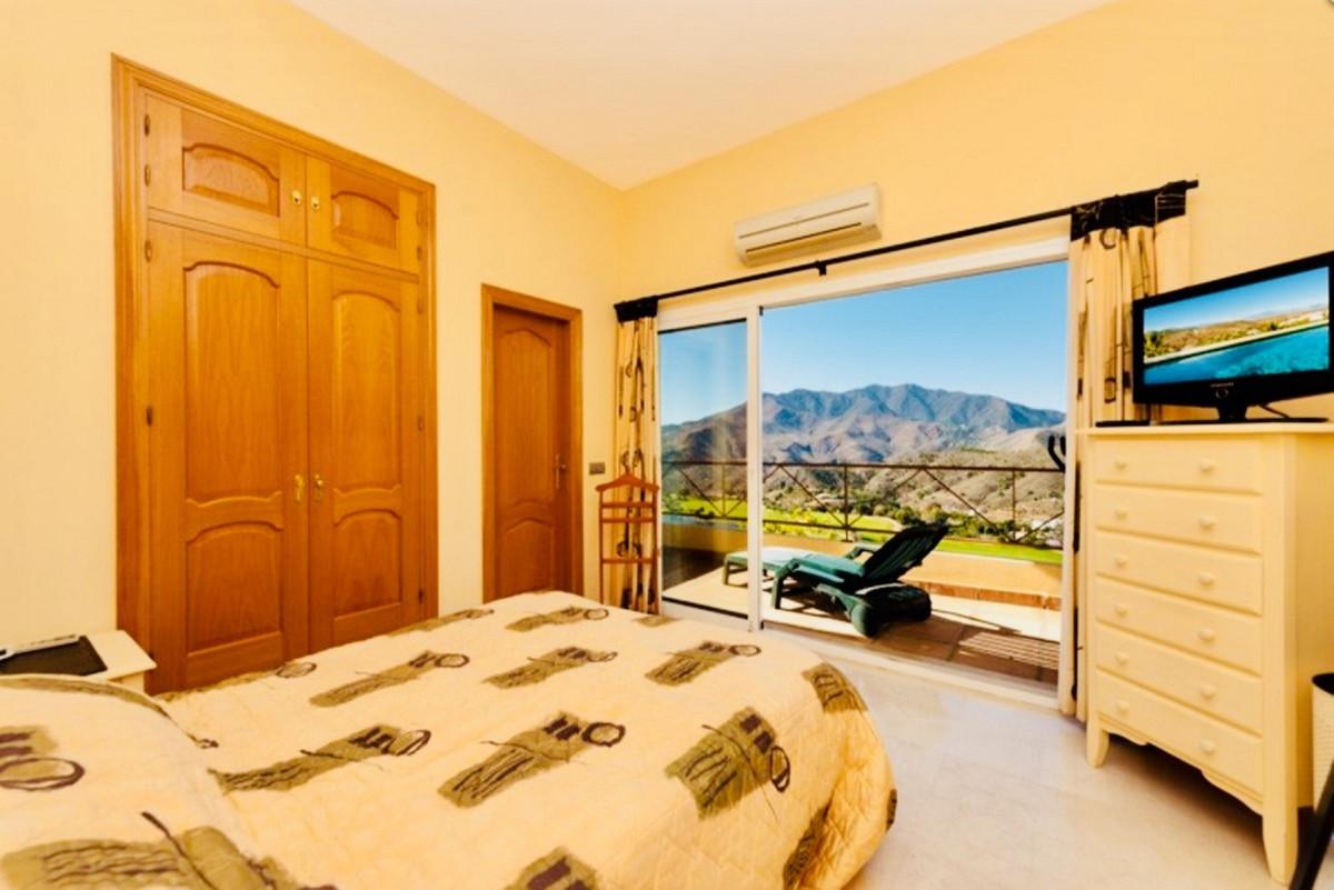 House in Alhaurin Golf R3505504 8