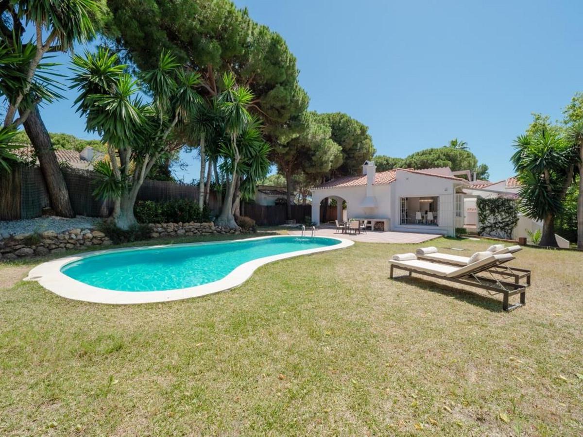 R3467923: House - Detached Villa in Calahonda