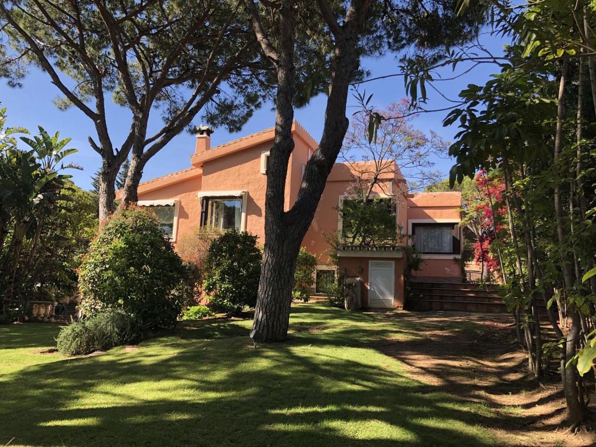 R3432952: House - Detached Villa in Calahonda
