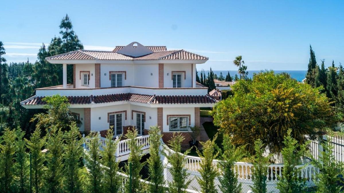 R3477076: House - Detached Villa in El Chaparral