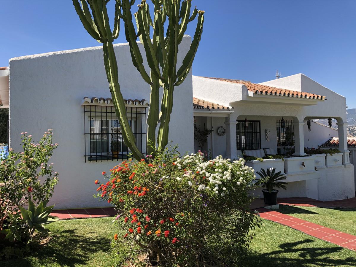 R3432166: House - Detached Villa in Cerros del Aguila