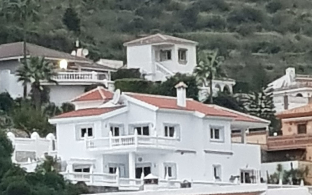 R3498247: House - Detached Villa in Cerros del Aguila
