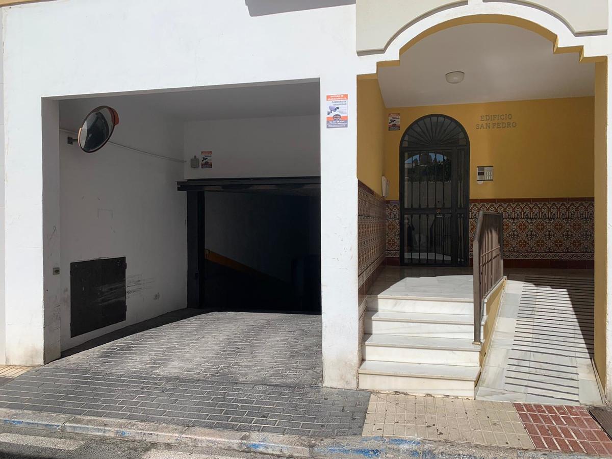 Parking Space, San Pedro de Alcantara, Costa del Sol. Built 36 m².  Setting : Village. Category : Ch,Spain